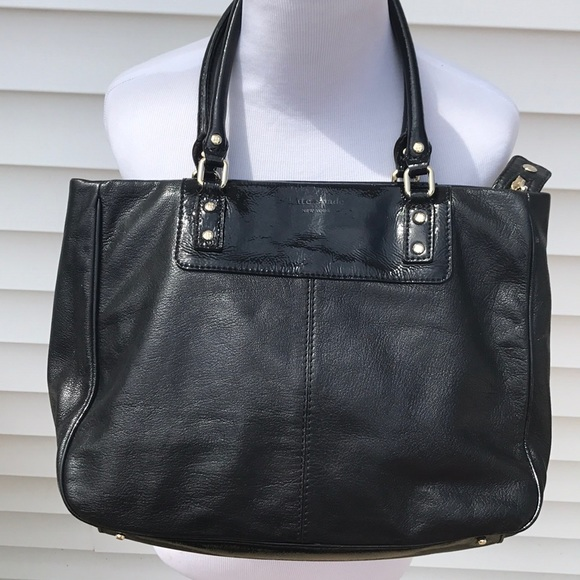 kate spade Handbags - Kate Spade  pebbled leather tote great condition